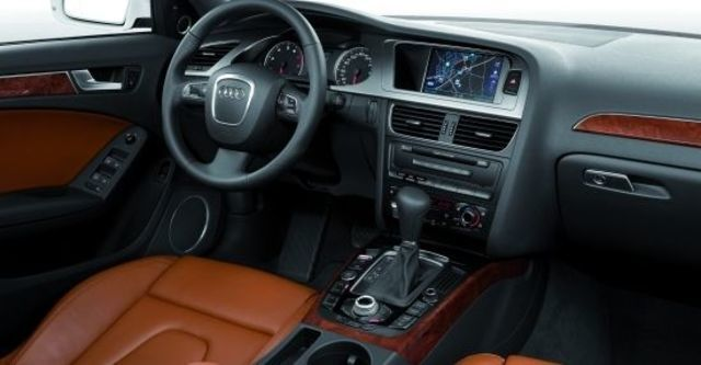 2011 Audi A4 Sedan 2.0 TFSI quattro  第6張相片
