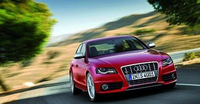 2011 Audi A4 Sedan S4  第2張相片