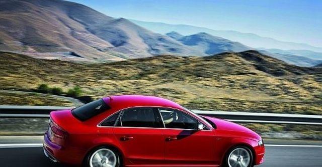 2011 Audi A4 Sedan S4  第4張相片