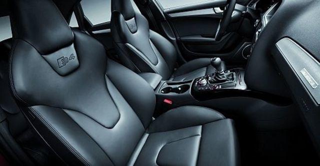 2011 Audi A4 Sedan S4  第10張相片