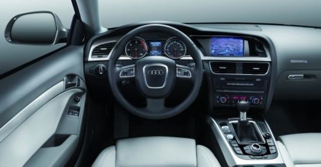 2011 Audi A5 Coupe 3.2 FSI quattro  第6張相片