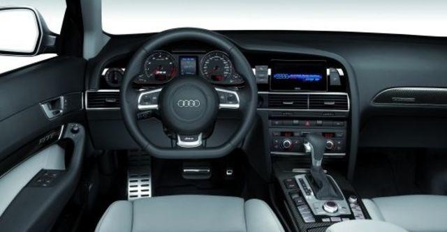 2011 Audi A6 Avant RS6  第10張相片