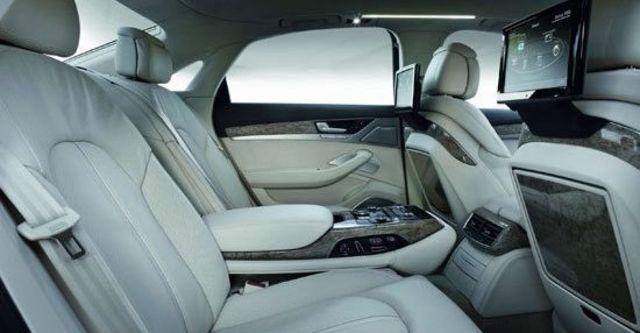 2011 Audi A8 L V8  第7張相片