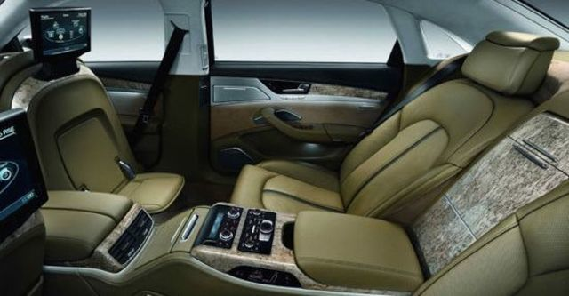 2011 Audi A8 L V8  第8張相片