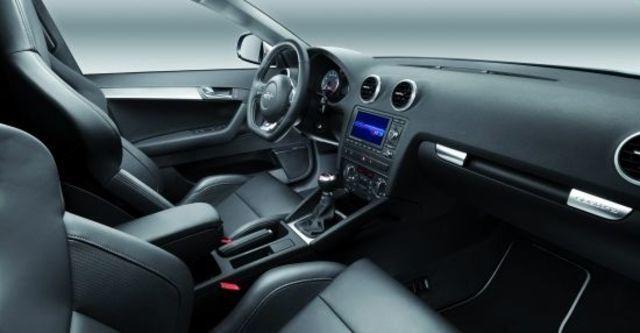 2010 Audi A3 Sportback S3  第9張相片