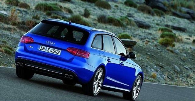 2010 Audi A4 Avant S4  第8張相片