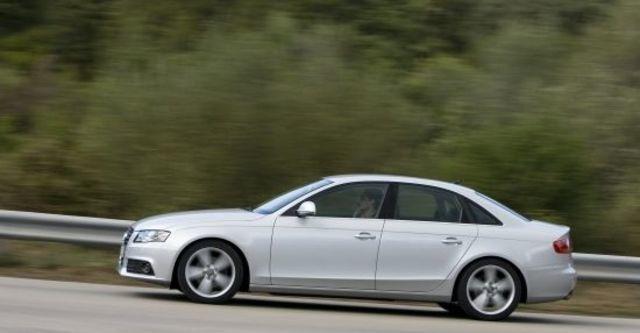2010 Audi A4 Sedan 2.0 TDI  第6張相片
