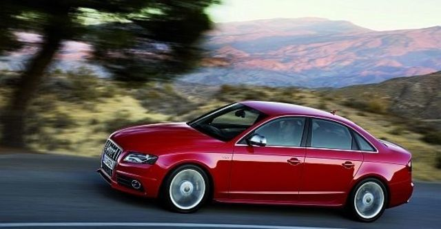 2010 Audi A4 Sedan S4  第3張相片