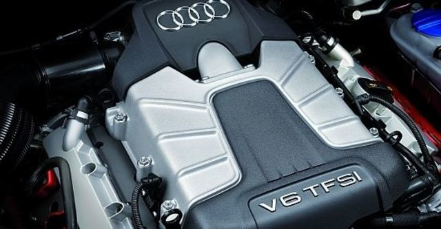 2010 Audi A4 Sedan S4  第11張相片