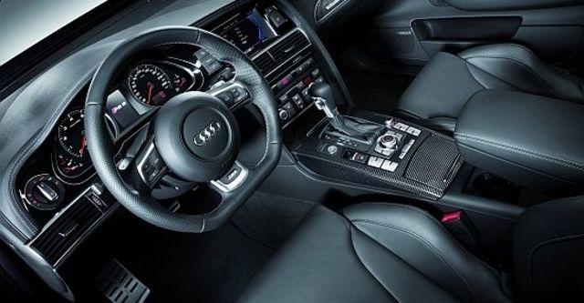 2010 Audi A6 Sedan RS6  第7張相片