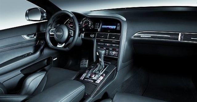 2010 Audi A6 Sedan RS6  第8張相片
