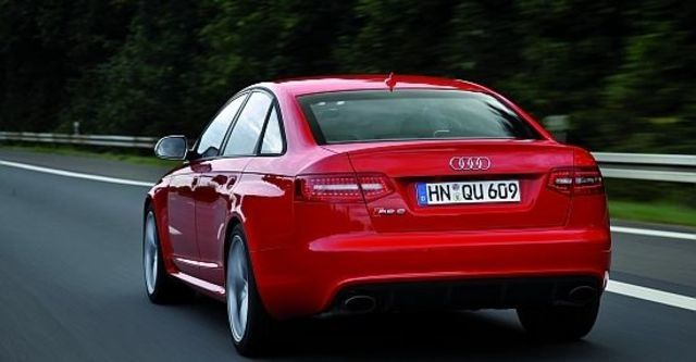 2010 Audi A6 Sedan RS6  第11張相片