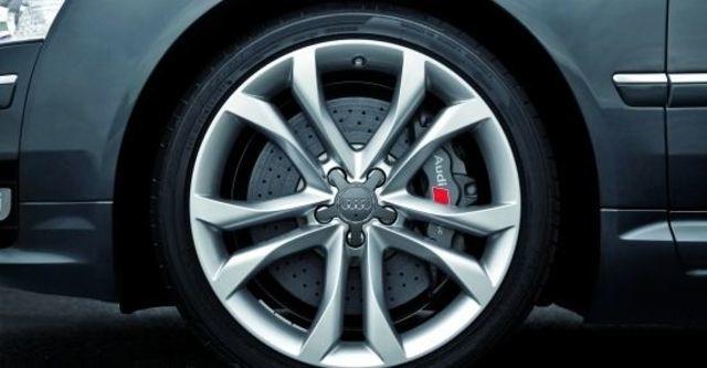 2010 Audi A8L S8  第4張相片