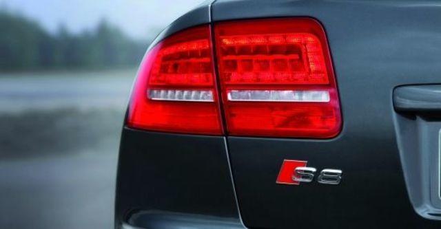 2010 Audi A8L S8  第5張相片