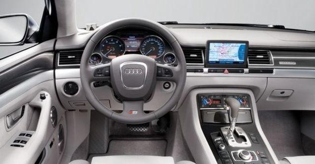 2008 Audi S8 Sedan  第7張相片