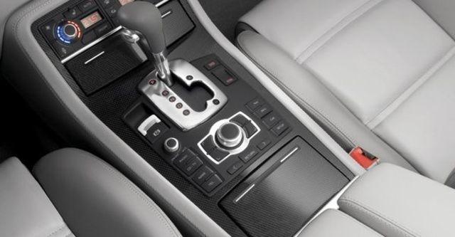2008 Audi S8 Sedan  第8張相片