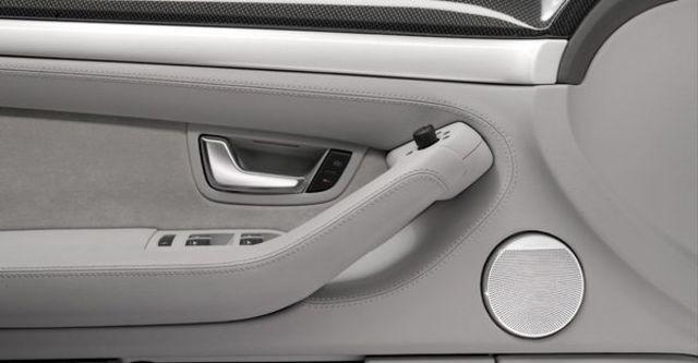2008 Audi S8 Sedan  第9張相片