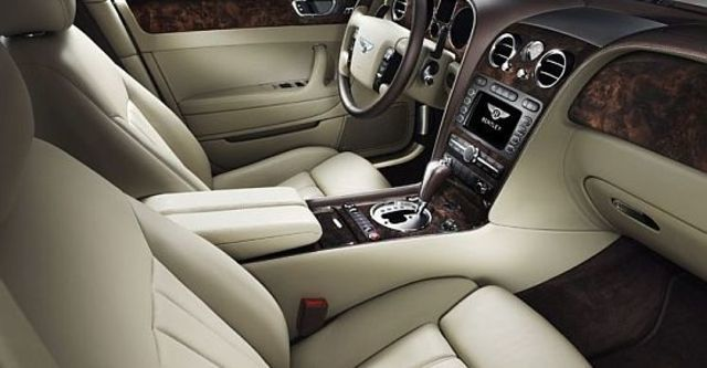 2010 Bentley Continental Flying Spur 6.0 W12  第8張相片