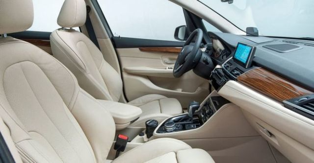 2015 BMW 2-Series Active Tourer 218d  第9張相片