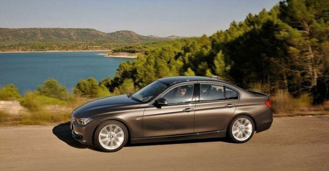 2015 BMW 3-Series Sedan 316i  第2張相片