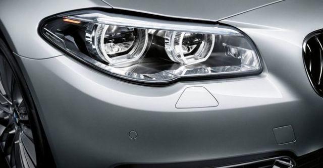2015 BMW 5-Series Sedan 520d  第2張相片