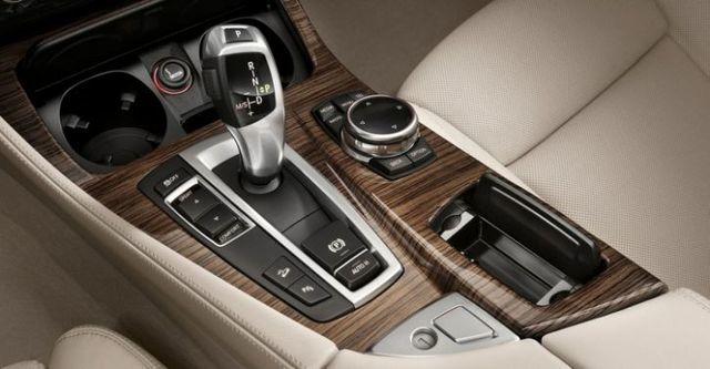 2015 BMW 5-Series Sedan 520i  第9張相片