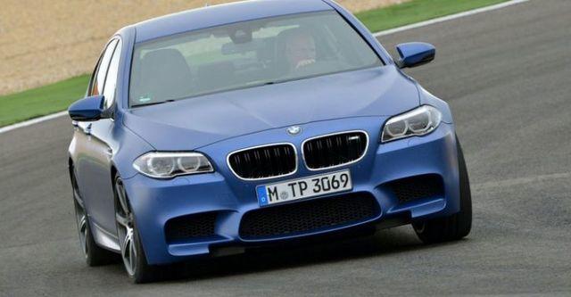 2015 BMW 5-Series Sedan M5  第3張相片