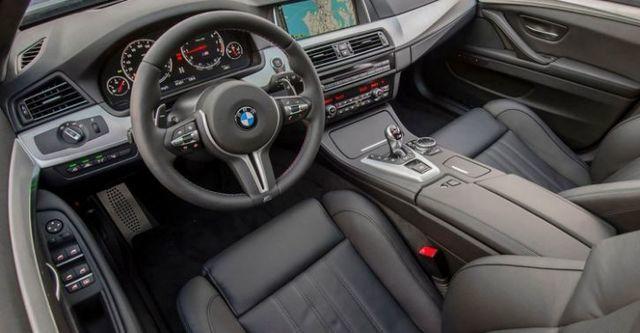 2015 BMW 5-Series Sedan M5  第9張相片