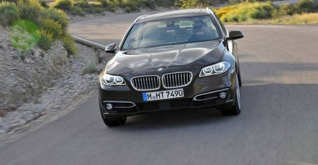 2015 BMW 5-Series Touring 520i  第3張相片