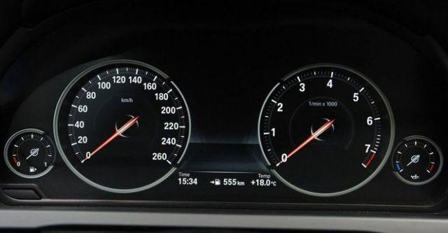 2015 BMW 7-Series 730d  第10張相片