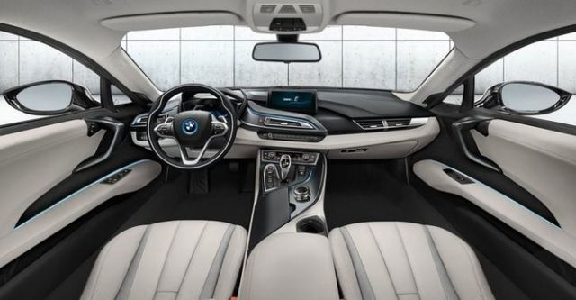 2015 BMW i8 Coupe  第6張相片