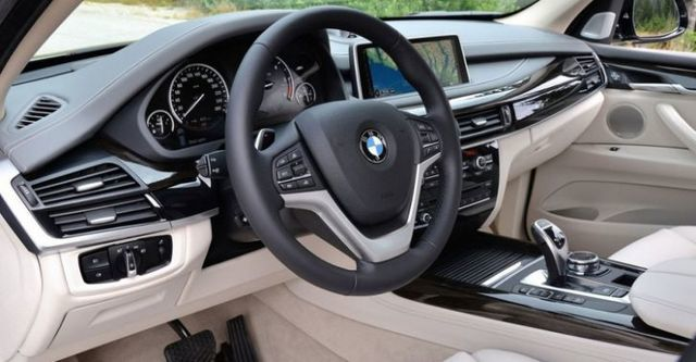 2015 BMW X5 xDrive50i  第8張相片