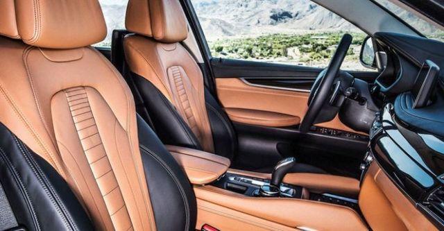 2015 BMW X6 xDrive50i  第7張相片
