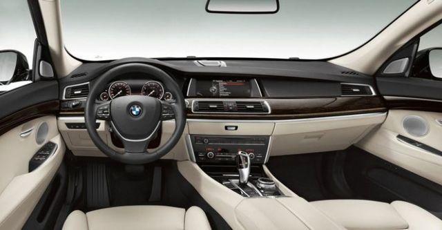 2014 BMW 5-Series GT 528i  第10張相片