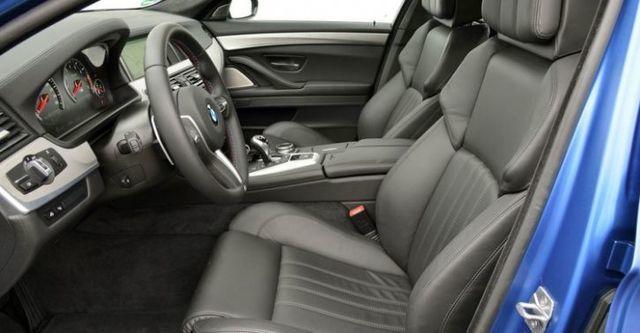 2014 BMW 5-Series Sedan M5  第10張相片