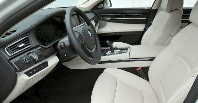 2014 BMW 7-Series 730d  第7張相片