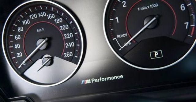2013 BMW 1-Series M135i  第11張相片