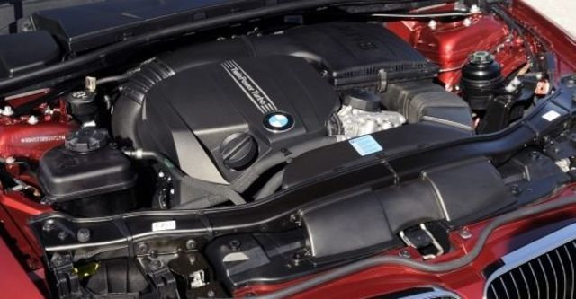 2013 BMW 3-Series Coupe 335i  第13張相片