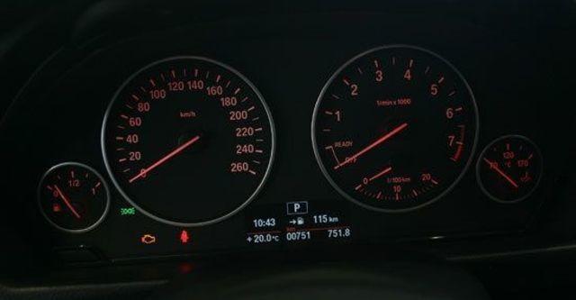 2013 BMW 3-Series Sedan 316i  第11張相片