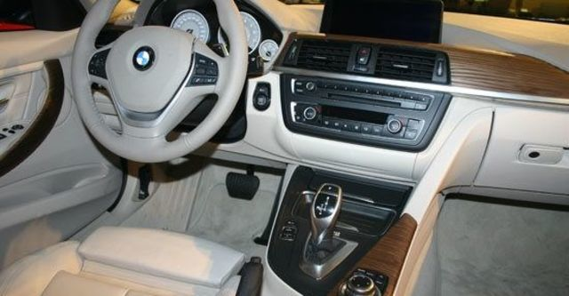 2013 BMW 3-Series Sedan 320d Luxury  第8張相片