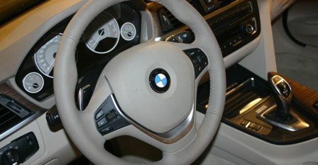 2013 BMW 3-Series Sedan 320d Luxury  第9張相片