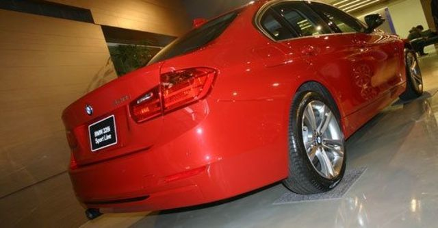2013 BMW 3-Series Sedan 328i Sport  第9張相片