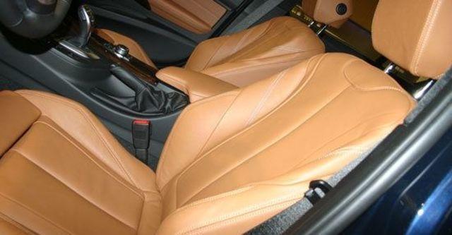 2013 BMW 3-Series Sedan 335i Sport  第7張相片