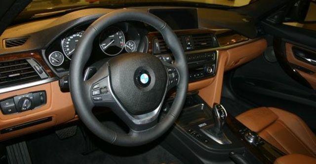 2013 BMW 3-Series Sedan 335i Sport  第9張相片