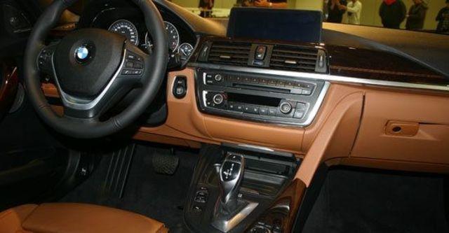 2013 BMW 3-Series Sedan 335i Sport  第10張相片