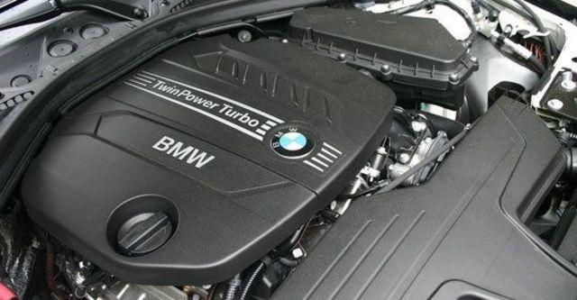 2013 BMW 3-Series Touring 318d Sport  第9張相片
