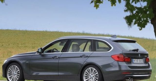 2013 BMW 3-Series Touring 320d Sport  第9張相片