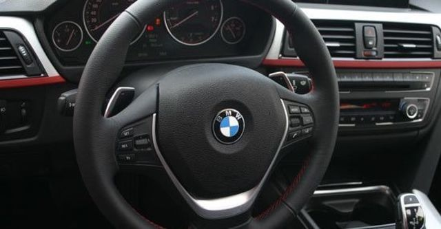 2013 BMW 3-Series Touring 320i Sport  第10張相片