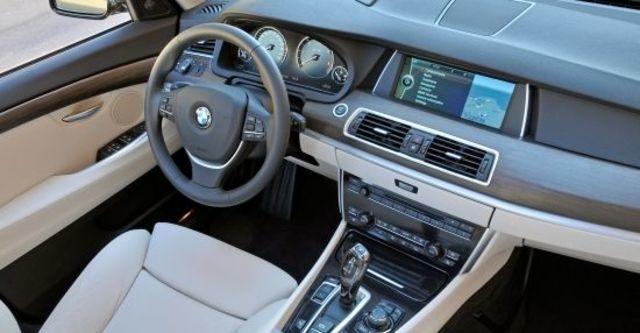2013 BMW 5-Series GT 520d  第7張相片