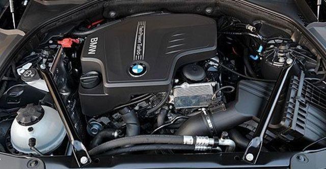 2013 BMW 5-Series Sedan 520i  第10張相片